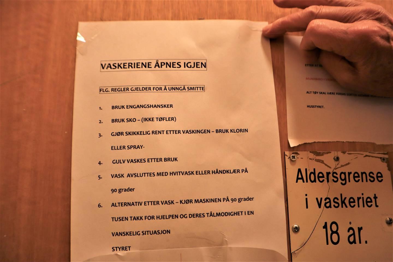 Smittevernregler på Fjellhagen borettslag i Drammen.