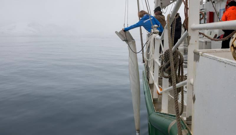 Et spesiallaget nett ble brukt i jakten på mikroplast i Antarktis.