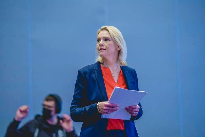Frp-leiar Sylvi Listhaug seier at ho gjerne diskuterer verkemiddel i lovgivinga som kan stanse høgreekstremisme. Foto: Stian Lysberg Solum / NTB / NPK