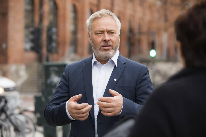YS-leder Erik Kollerud peker blant annet på galopperende lederlønninger i staten når han skal forklare hvorfor lønnsforskjellene i Norge har økt selv om de aller fleste ønsker mindre lønnsforskjeller.