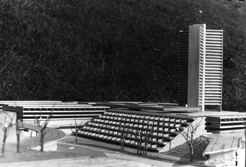 Blokkbebyggelse og motorvei var Oslo byplankontors forslag til sanering av nedre del av Grünerløkka. Modell fra den omfattende skissen fra 1967.