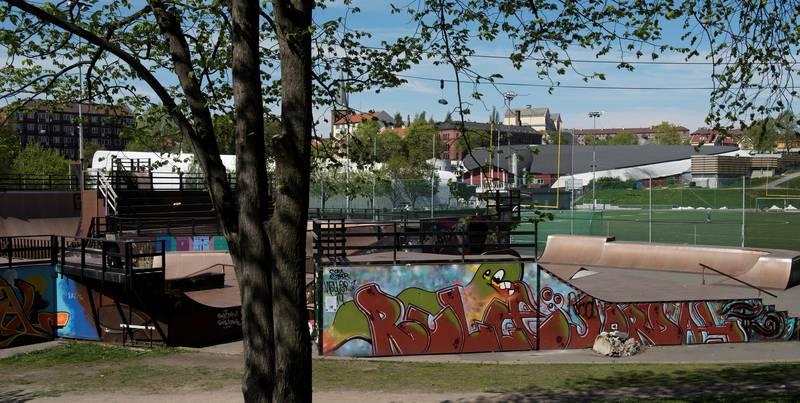Vold i skateparken: Her i Skateparken på Jordal ble en ung skater slått og sparket til han fikk kjeven ut av ledd. Også kameraten ble slått i kinnet og, ifølge tiltalen, truet med å bli skutt.