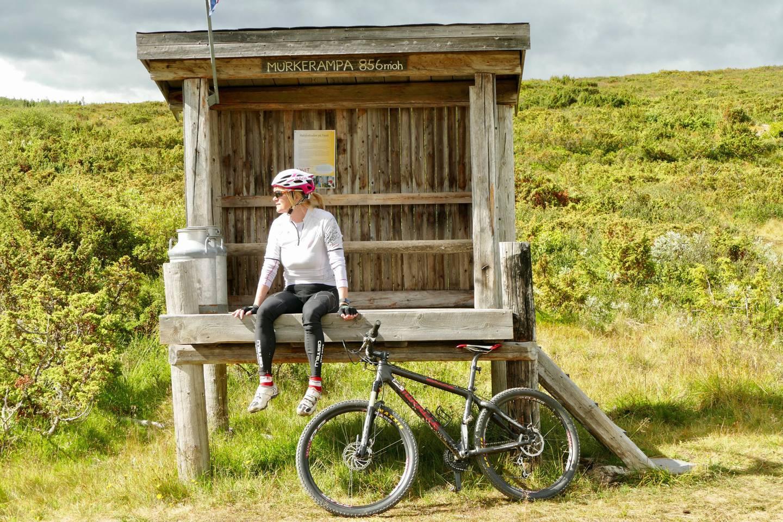 – Her sykler du ikke i kø, sier sykkelglade Birgit Haugen, som håper å inspirere andre til å sykle mer i området.