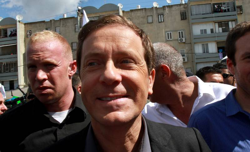Leder: For første gang leder venstreopposisjonen med Isaac Herzog på meningsmålingene. FOTO: NTB SCANPIX