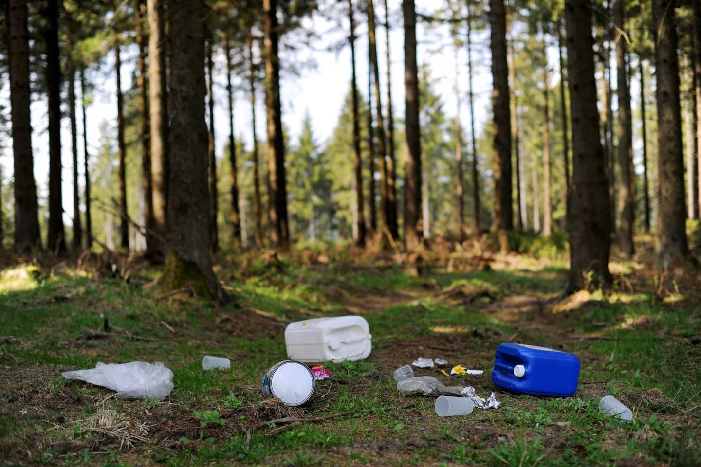 Plast i naturen er et stort problem i mange land, også i Norge.