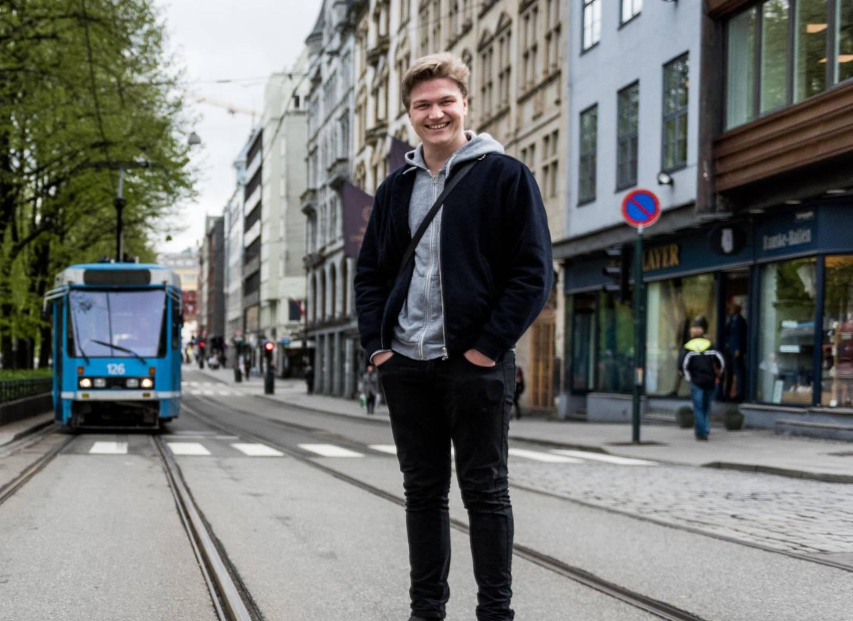 Oslo Unge Høyres leder Nicolai Øyen Langfeldt vil legge ned trikken i Oslo, men får ikke støtte fra Eirik Lae Solberg. Foto: John Trygve Tollefsen.