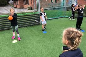 Håndballforbundet inn i gymtimene: – Både sosialt og gir mer fysisk aktivitet