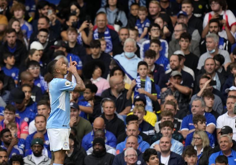 Manchester Citys Gabriel Jesus feirer målet som avgjorde toppkampen mot Chelsea. Foto: Alastair Grant / AP / NTB