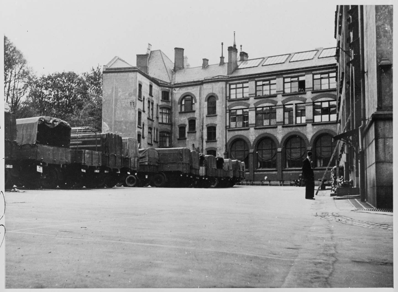 Tyske tropper tok over de fleste skolene i Oslo, og elevene måtte bli undervist andre steder. Foto fra en skole i Oslo under krigsårene.