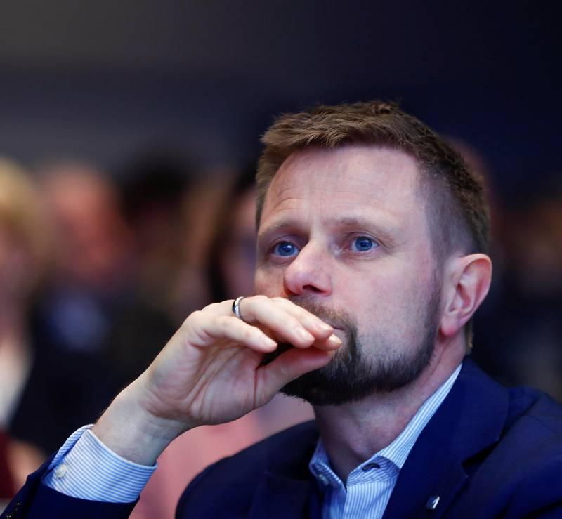 Helseminister Bent Høie (H) får kritikk for å ha kuttet i Helsedirektoratets budsjetter.