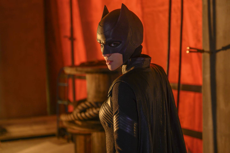 Av seriene om kappe- og trikotkledde TV-heltene er «Batwoman» tilbake i ny sesong  - og med ny skuespiller i hovedrollen - til høsten.