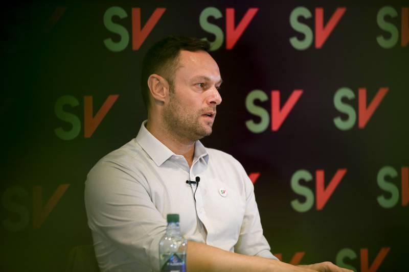 Torgeir Knag Fylkesnes (SV) får gratis pendlerleilighet i Oslo av Stortinget, til tross for at han eier en leilighet i hovedstaden. Foto: Hanna Johre / NTB