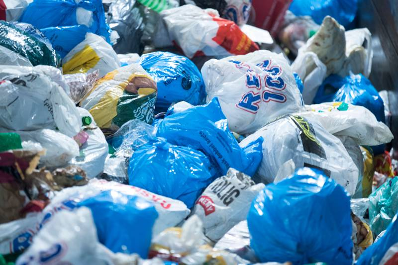 Årlig går nærmere én million tonn mikroplast ut i verdenshavene, og mengden øker for hvert år.