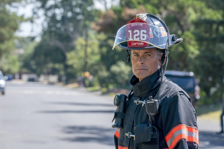 «9-1-1: Lone Star» har Rob Lowe i rollen som brannsjefen selv, som norske fans kan oppleve på Disney+.