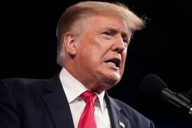 Trump mener Biden må gå av etter at Taliban har tatt kontroll i Afghanistan