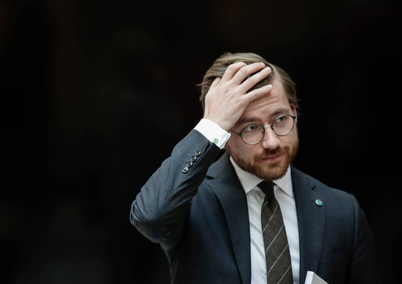 Oslo 20200424.  Klima- og miljøminister Sveinung Rotevatn (V) under pressekonferanse om iskanten i Barentshavet. Foto: Vidar Ruud / NTB scanpix