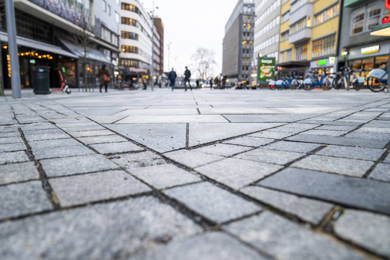 Nylagt brostein i Olav Vs gate.