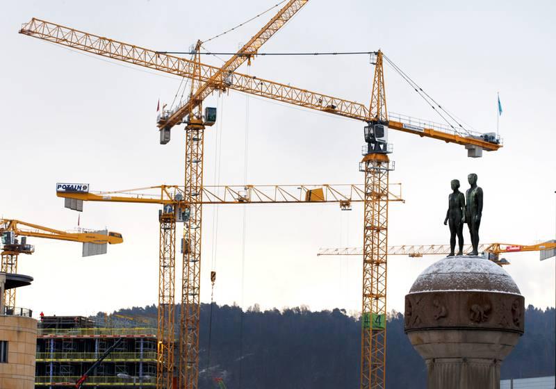 Bygging i Oslo i 2017. Den elleville boligprisveksten   i hovedstaden er et problem for hele landet.