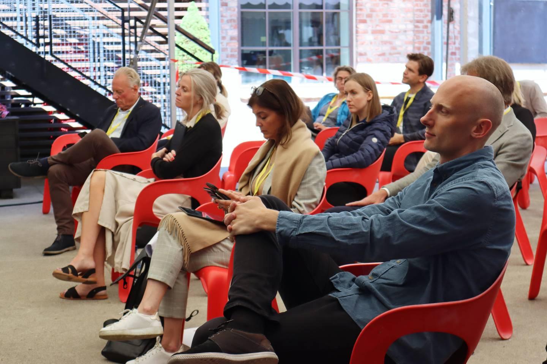 Are Søberg, også kalt Sløseriombudsmannen og Kjersti Marie Løken Stavrum på Ytringskommisjonens innspillsmøte under Kulturytring Drammen 23. juni.