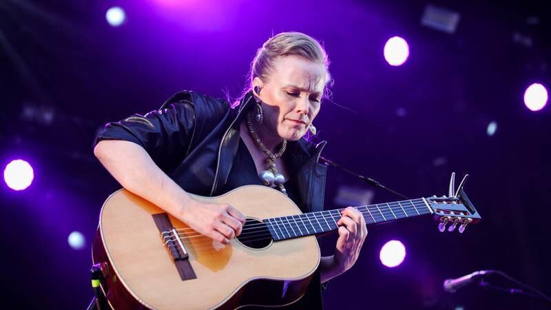 Ane Brun sørget for en usedvanlig fin stund foran 1.000 publikummere på årets Øyafestival - Øya presenterer.