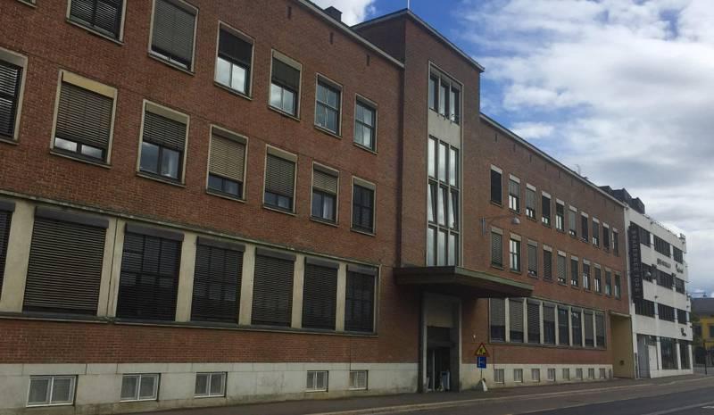 Hovedpostkontoret i Drammen ble ranet i mai 1980. Det skulle ennå gå lang tid før fluktruta til gjerningsmennene ble avslørt og ranet oppklart, sammen med 18 andre ran fra 1974–1980.