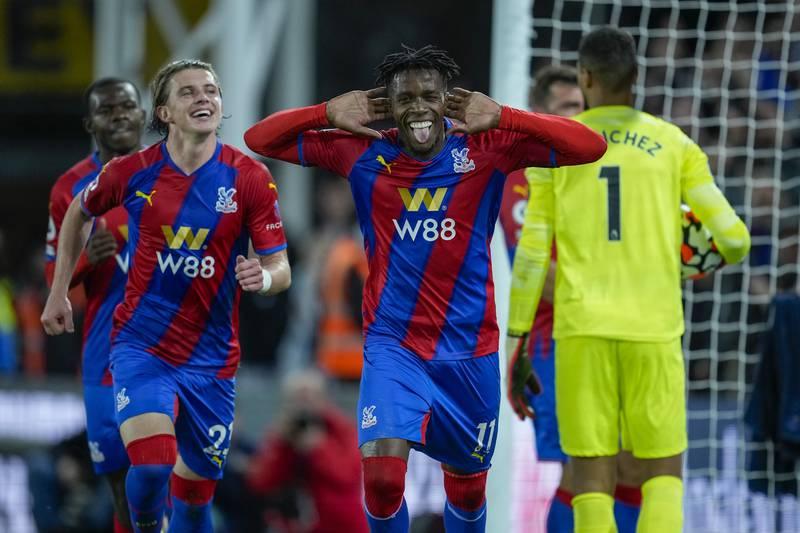 Wilfried Zaha scoret på straffespark og ga Crystal Palace 1-0-seier over Brighton i Premier League. Foto: Matt Dunham / AP / NTB
