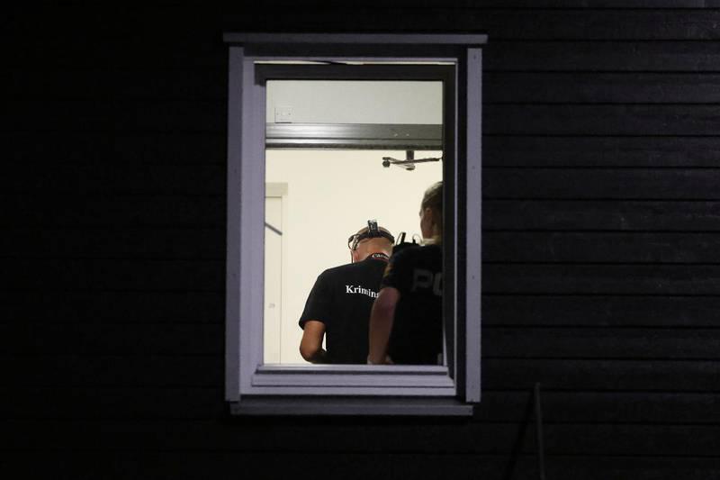 Mannens kone ble funnet drept i deres bolig på Jeløy.