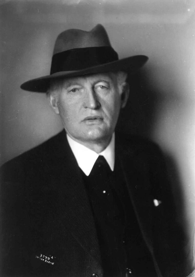 Edvard Munch. Kunstner. Maler. Født 12. desember 1863 i Løten. Død 23. januar 1944 i Aker.