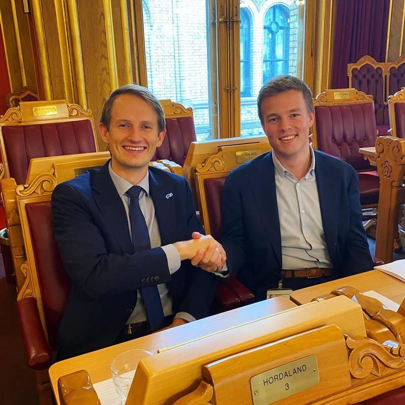 Aleksander Stokkebø (H) og Hadle Rasmus Bjuland (KrF)