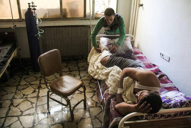 KJEMISKE VÅPEN: Tross syriske myndigheters gjentatte løfter om oppfølging av Kjemivåpenkonvensjonen, kommer det stadig nye rapporter om bruk av kjemivåpen i Syria. Senest 4. april i Khan Sheikhun. FOTO: OMAR HAJ KADOUR/NTB SCANPIX