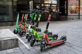 Færre skader etter nye elsparkesykkelregler i Oslo