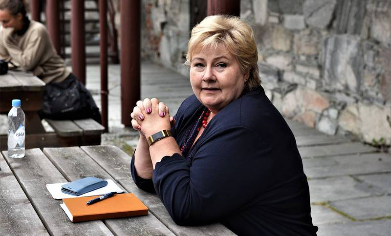 Statsminister Erna Solberg (H) er ikke like bekymret for ulikhetene i Norge som LO og venstresiden i norsk politikk.