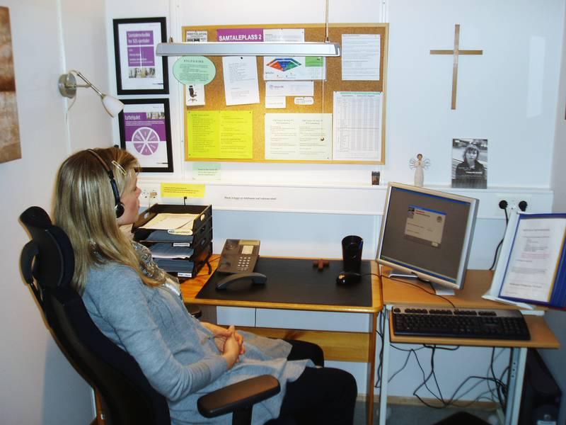 Signe Bøe Trodahl på ett av Kirkens SOS' mottaksplasser.