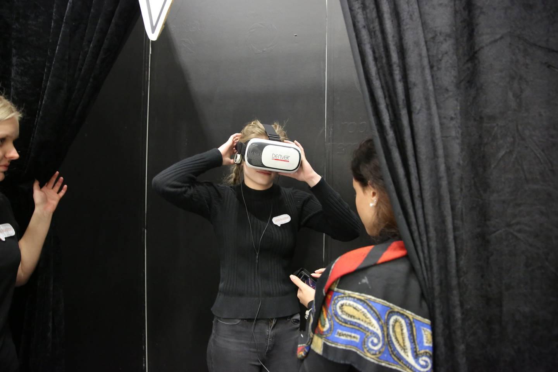Undervisningen foregår i en virtuell verden.
