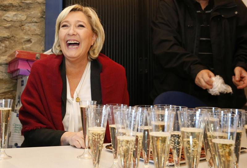 Populist, ja visst: Leder for Front National i Frankrike, Marine Le Pen, snakker om et snevert definert fellesskap når hun forsvarer «folket», skriver Minda Holm. FOTO: PASCAL POCHARD-CASABIANCA/NTB SCANPIX