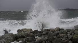 Høststorm skaper skred av farevarsler