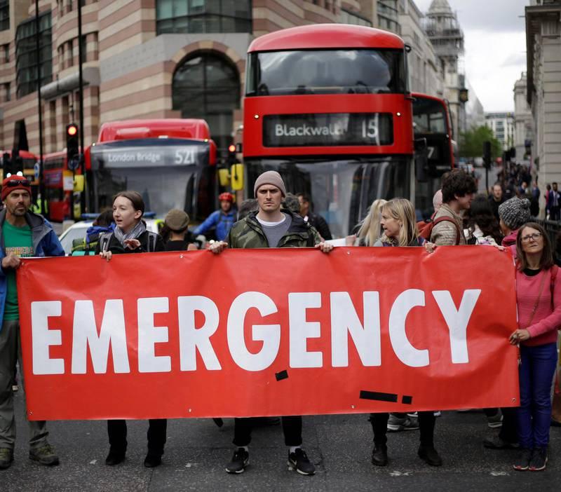 I april satte Extinction Rebellion London på ende. Nå skal de gjøre det samme i Berlin og i om lag 60 andre byer verden rundt. Det varsles også markeringer i Norge. FOTO: MATT DUNHAM/NTB SCANPIX