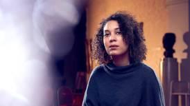 Hun har opplevd rasisme på nært hold – hele livet