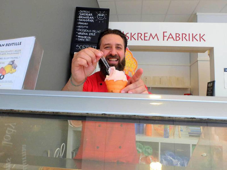 Dario De Simone har hatt stor suksess med Kjempe-Yes fra Drammens is er en iskrem som ikke finnes lenger.
