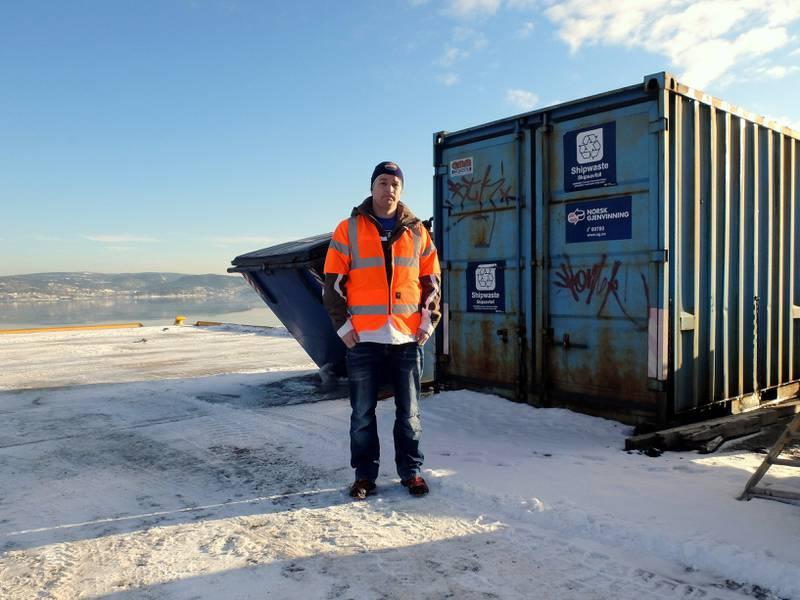 Skuffet: Tommy Mangrud er tillitsvalgt for havnearbeiderne på Drammen Havn og er skuffet over dommen som gir klarsignal til Holship og andre speditører for å etablere egen lossevirksomhet i havna. FOTO: KATRINE STRØM