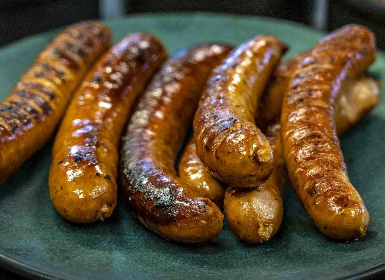 På grillfest er pølsene ofte det mest populære.