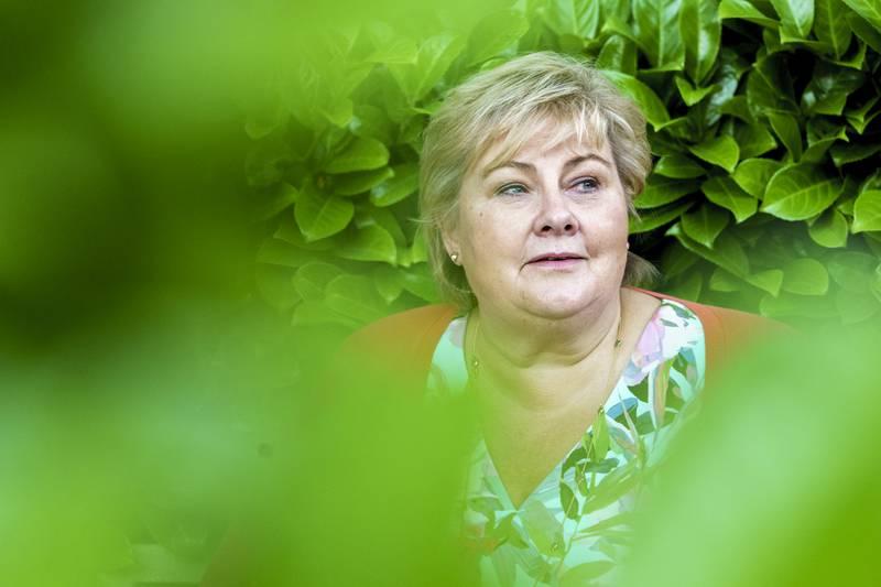 Statsminister Erna Solberg fikk bedre skussmål for pandemihåndteringen for et halvt år siden enn nå. Foto: Torstein Bøe / NTB