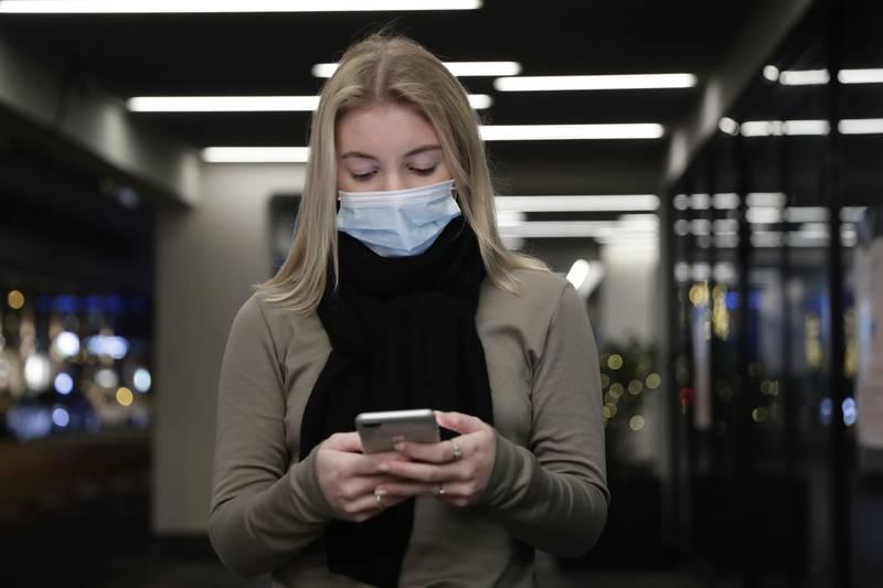 DIGITAL LØSNING: Forskerne i Trondheim starter fra høsten av å utvikle en digital løsning der folk med hjernerystelse skal kunne registrere symptomer og virkninger, både for egen del og for å kunne kommunisere det til legene sine. Foto: Berit Roald / NTB